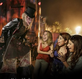 """Universal Studios Hollywood's All-New College Thursdays Terror Pass Gives College Students, Faculty and Staff Unlimited Access to """"Halloween Horror Nights"""" Every Thursday Night for One Admission Price"""