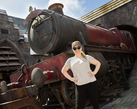 "Kelly Clarkson (NBC's ""The Voice"") at ""The Wizarding World of Harry Potter"" / Universal Studios Hollywood. April 11, 2018"